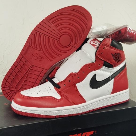 Air Jordan 1 Retro High Og Chicago 2015 Size 8.5 NWT